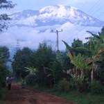 Kyläosuuskunnat sijaitsevat hajallaan Kilimanjaron rinteillä.