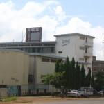 KNCU:n toimistot ja hotelli Moshissa Kilimanjaron juurella.